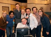 Emotiva despedida de The Big Bang Theory a Stephen Hawking