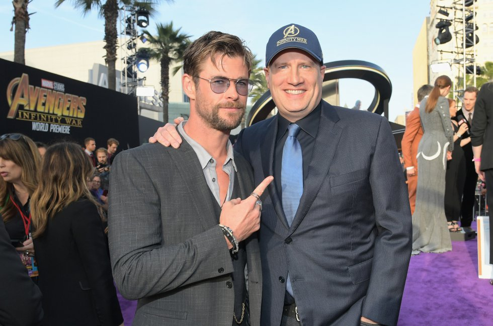 Chris Hemsworth y el presidente de Marvel Studios y productor Kevin Feige