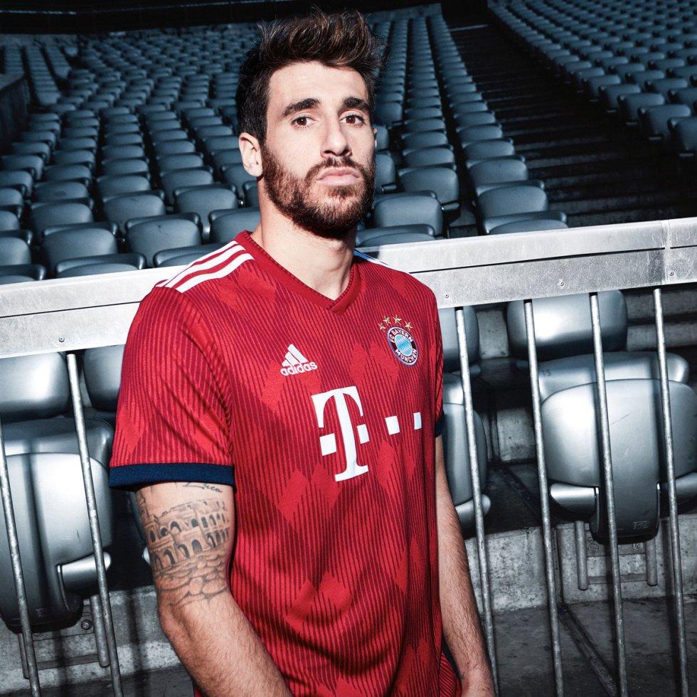 Bayern Múnich presentó su nueva camiseta para la próxima temporada