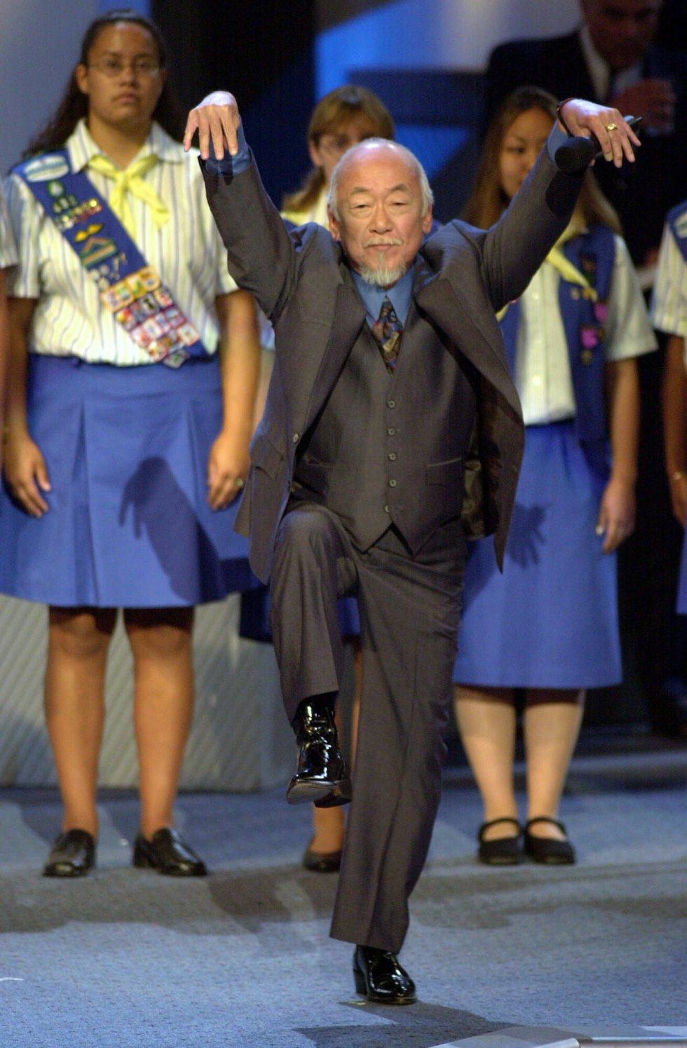 Señor Miyagi, es un maestro de Karate el cual ha participado en la saga de películas Karate Kid y el encargado de enseñarle todas sus técnicas a Dre Parker.