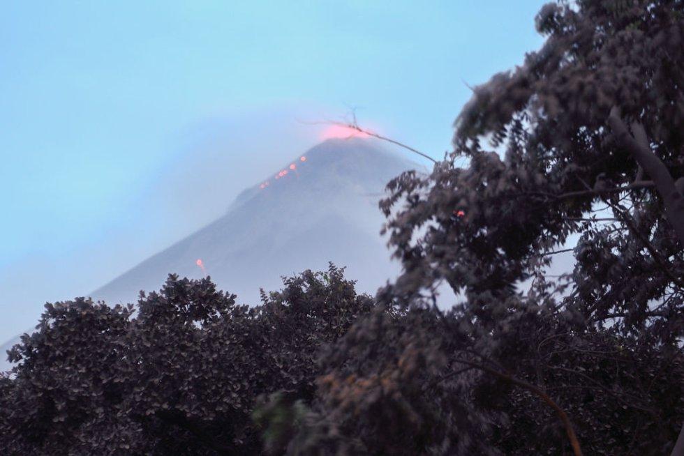 Esta es la segunda erupción del volcán de Fuego en 2018 y la más fuerte de los últimos años.