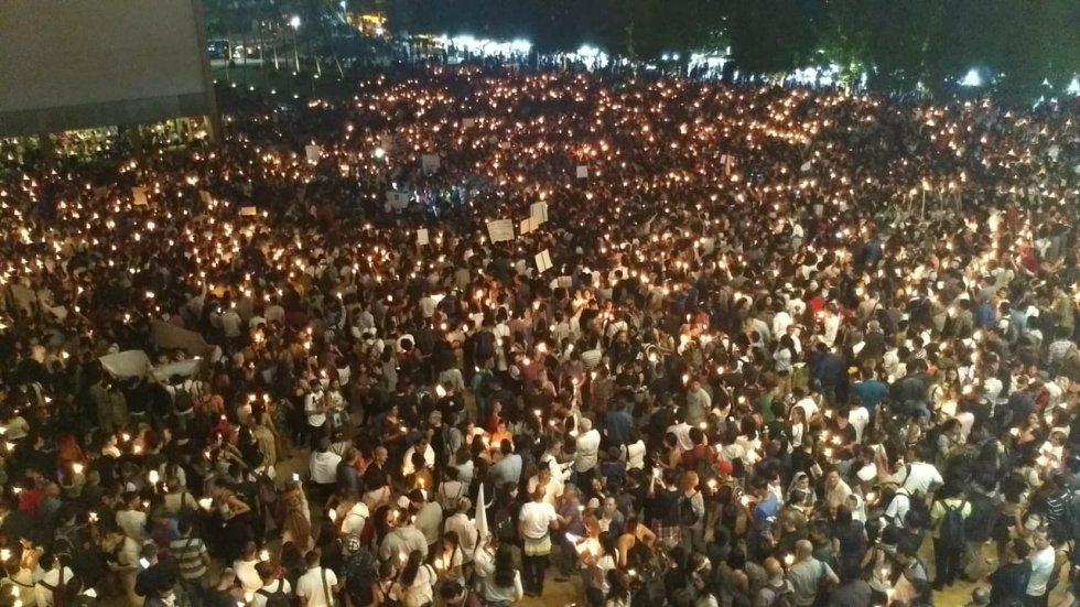 El parque de los deseos se unió en una sola voz para rechazar desde Medellín el asesinato de Líderes Sociales.