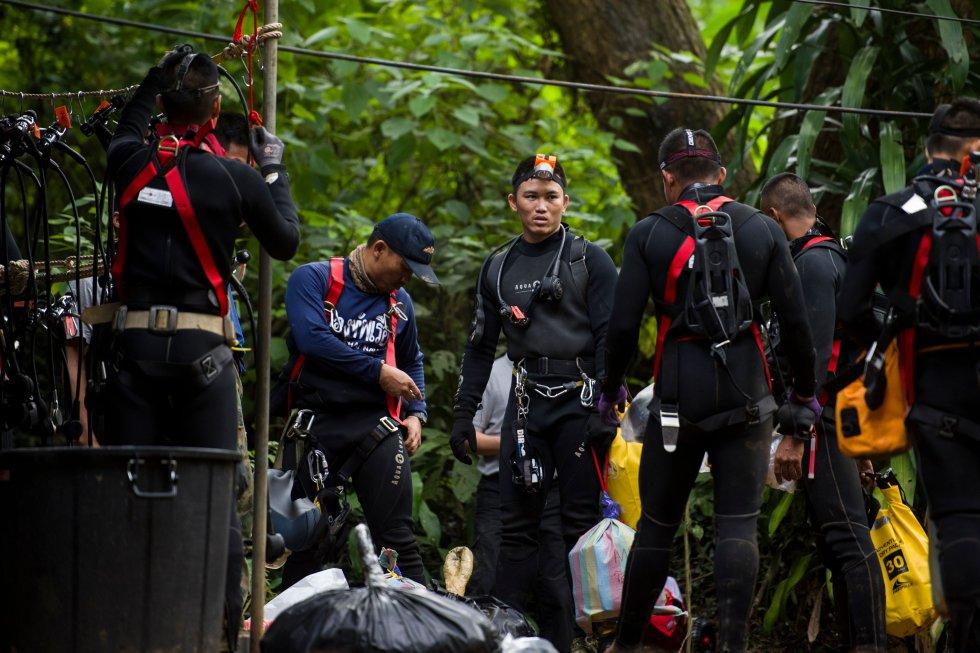 Rescate cueva inundada: EN FOTOS: Los heroicos buzos responsables del rescate en Tailandia