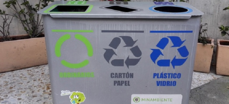 dc6afe091 2030, el 31% de las bolsas plásticas deben ser de color gris, azul y verde