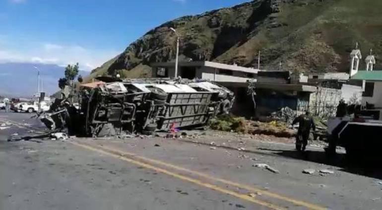 Cocaína en Bus Accidentado: Encuentran cocaína en bus accidentado en Ecuador