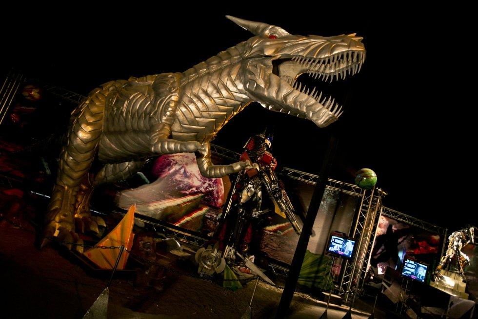 En la exposición se destacan 13 animatronics, 15 esculturas a escala, 19 esculturas pequeñas, 12 cuadros 3D, exhibición de armas y fichas informativas.