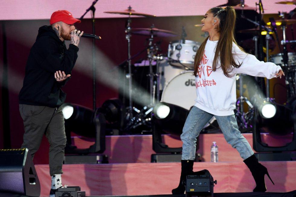 """En 2013 Ariana lanzó su single debut titulado """"The Way"""". Mac apareció en la canción y tocó un verso."""