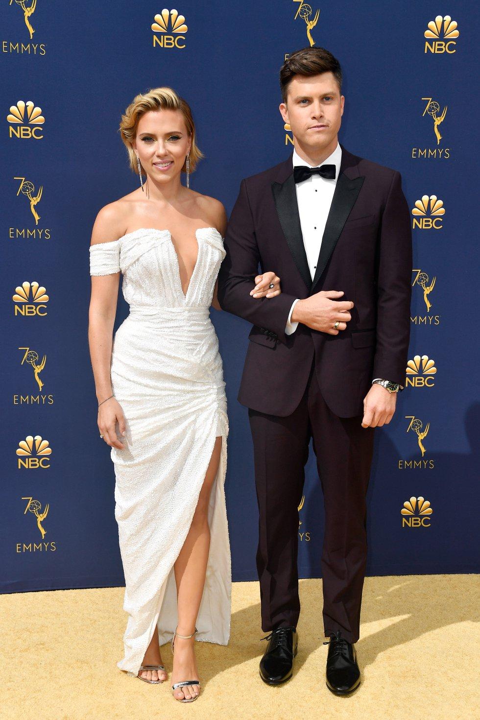 Scarlett Johansson y Colin JostElla llevaba un vestido de Balmain, sandalias de Christian Louboutin y joyas de Nikos Koulis. Él de Dolce & Gabbana.