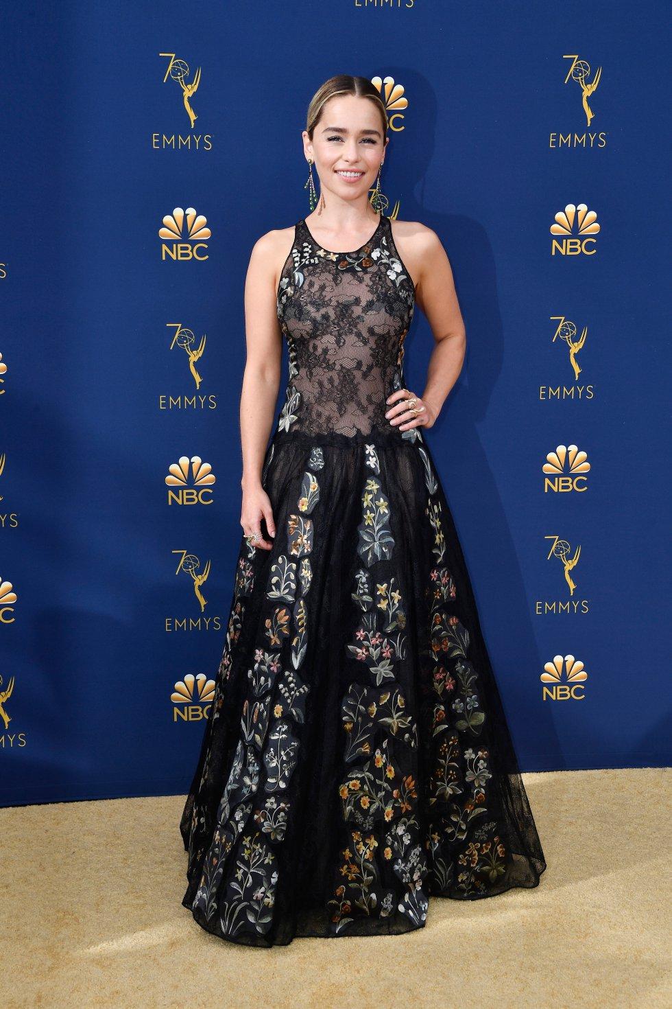 Emilia Clarke. De Christian Dior Alta Costura.