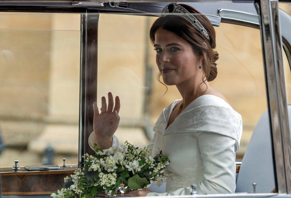 La princesa Eugenia a su llegada a la capilla de San Jorge en Windsor (Reino Unido) antes de su enlace con Jack Brooksbank