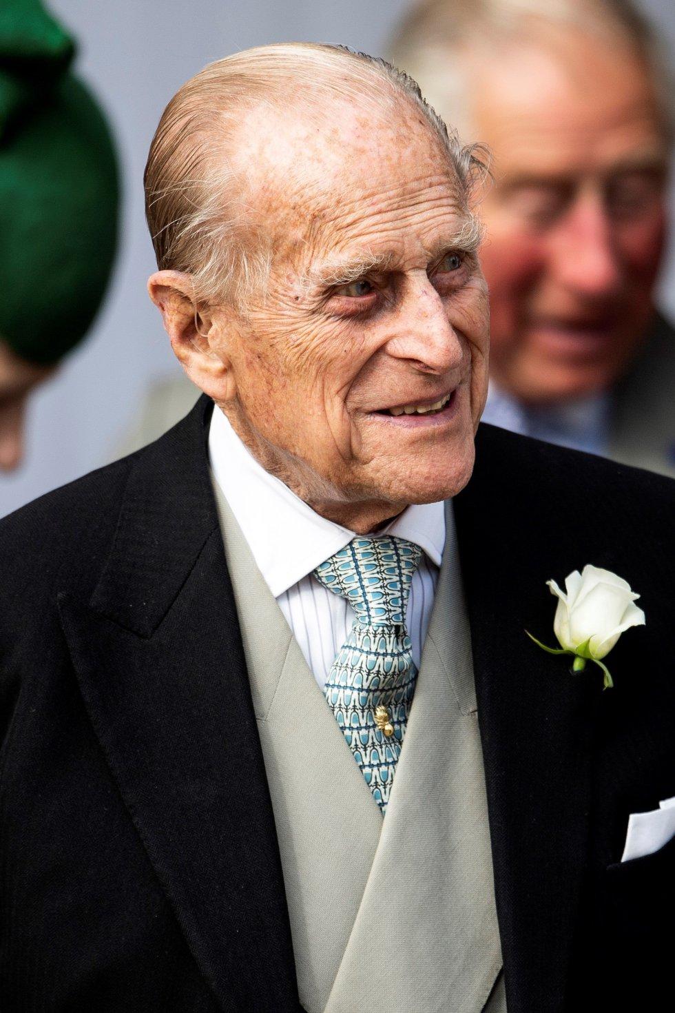 El duque Felipe de Edimburgo asiste al enlace su nieta de la princesa Eugenia con Jack Brooksbank