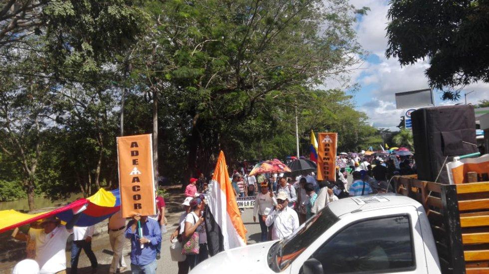 Estudiantes del Sena se hacen presentes en la marcha nacional de universidades que se adelanta en Montería.