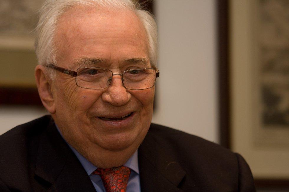 Belisario Betancur fue Presidente de la República de Colombia durante el periodo de 1982-1986.