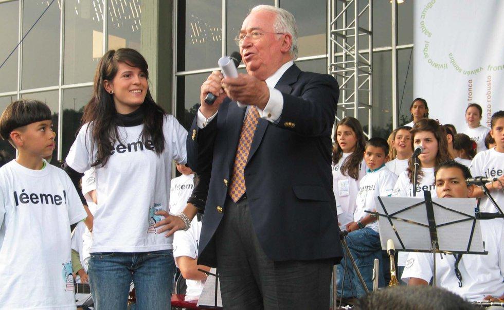El expresidente Belisario Betancur durante el cierre del congreso de los niños.