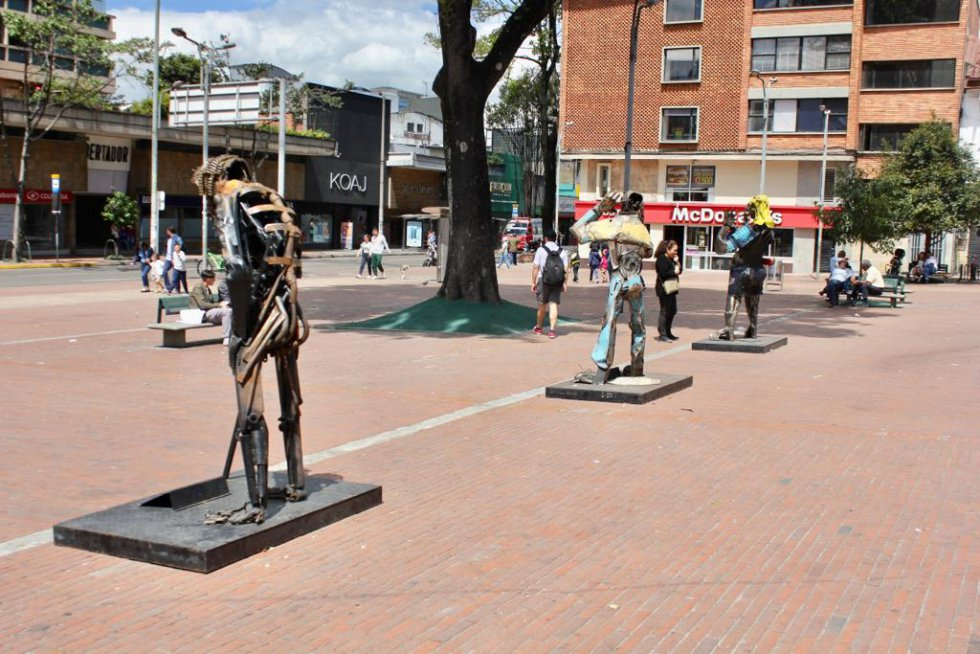 Esculturas en la iglesia de Lourdes en Bogotá: Las obras inspiradas en víctimas de accidentes viales en Bogotá