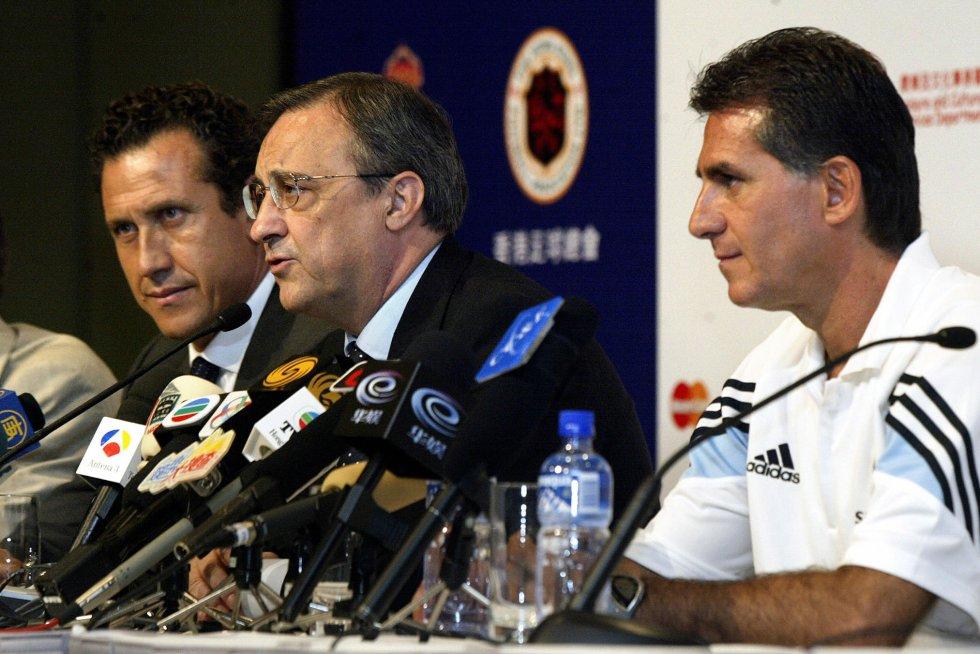 Queiroz en rueda de prensa con Florentino Pérez