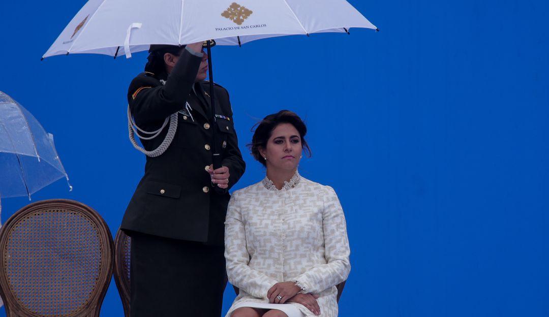 980894a096 Esta es la aparición de la esposa de Duque que `rompe´ las redes sociales.