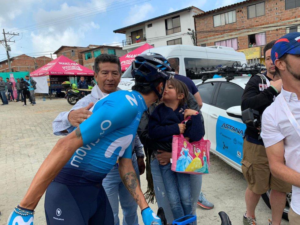 Winner Anacona con su esposa e hija