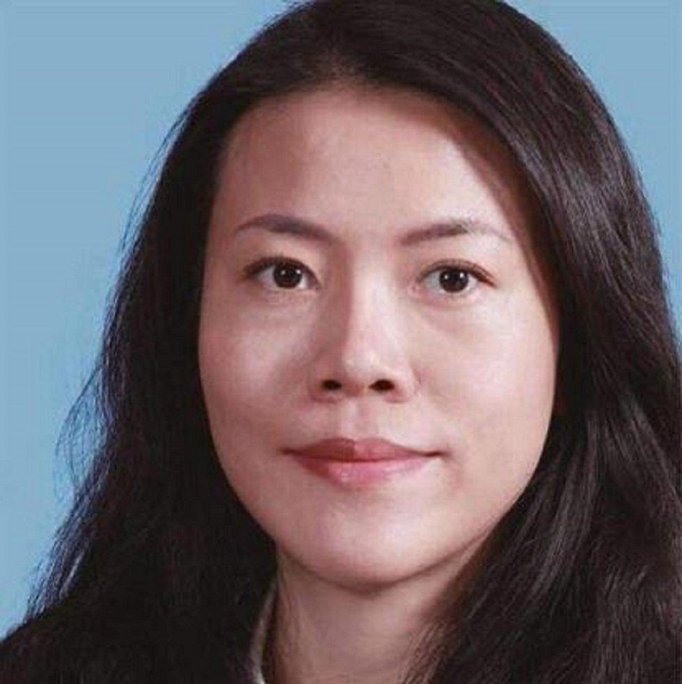 Yang Huiyan ocupa el puesto 42 en la lista, y es la cuarta mujer más rica del mundo por tener una fortuna de 22.000 millones de dólares. Es una joven China de 37 años que posee el 57 % de la inmobiliaria Country Garden Holdings, y ostenta el cargo de vicepresidenta.