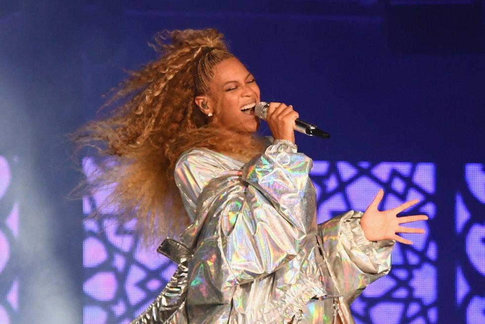 Beyoncé @Beyonce