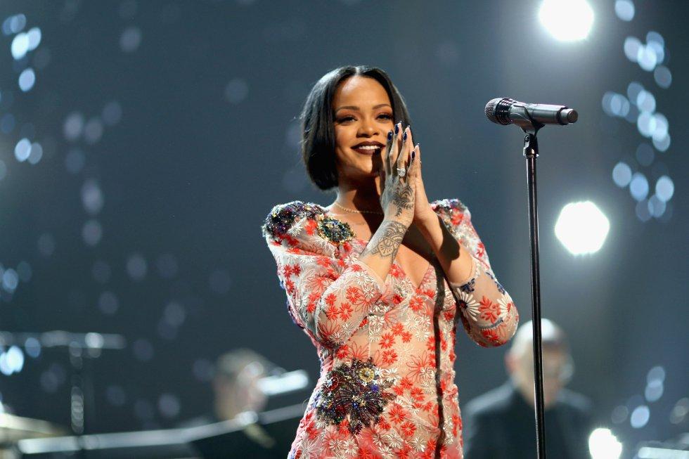 Rihanna @rihanna