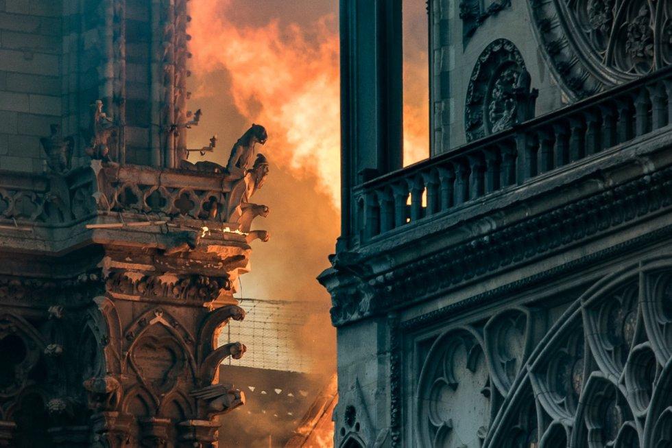 Incendio en Notre Dame: Impactantes imágenes del incendio en Catedral de Notre Dame