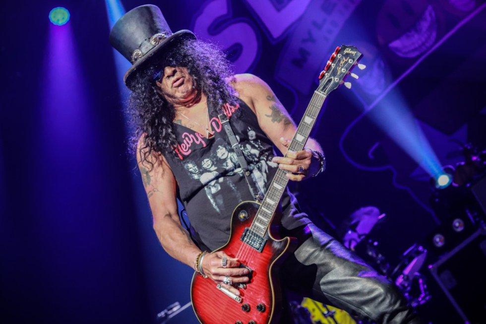 Colombia fue el país encargado de abrir la gira 'Living the dream tour' en Sudamérica, en el que el icónico guitarrista 'Slash' se presentó junto a 'Myles Kennedy and the Conspirators' en el Movistar Arena de Bogotá en la noche de este domingo 5 de mayo