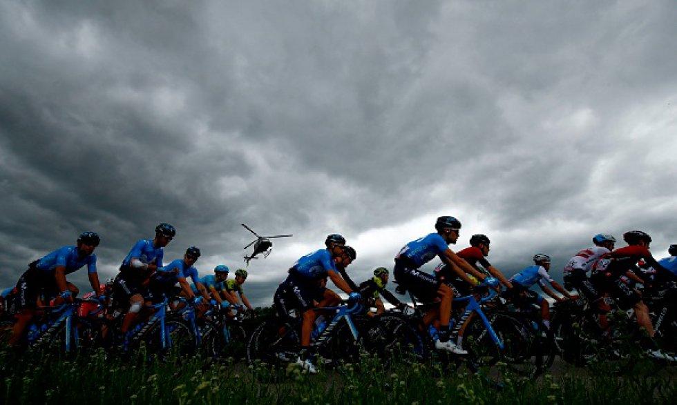 tercera etapa giro italia 2019: En imágenes: Así se vivió la tercera etapa del Giro de Italia 2019