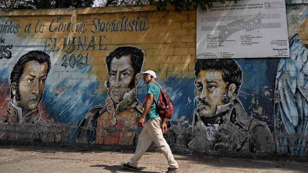 Venezuela, donde un huevo y 93 millones de litros de gasolina cuestan igual