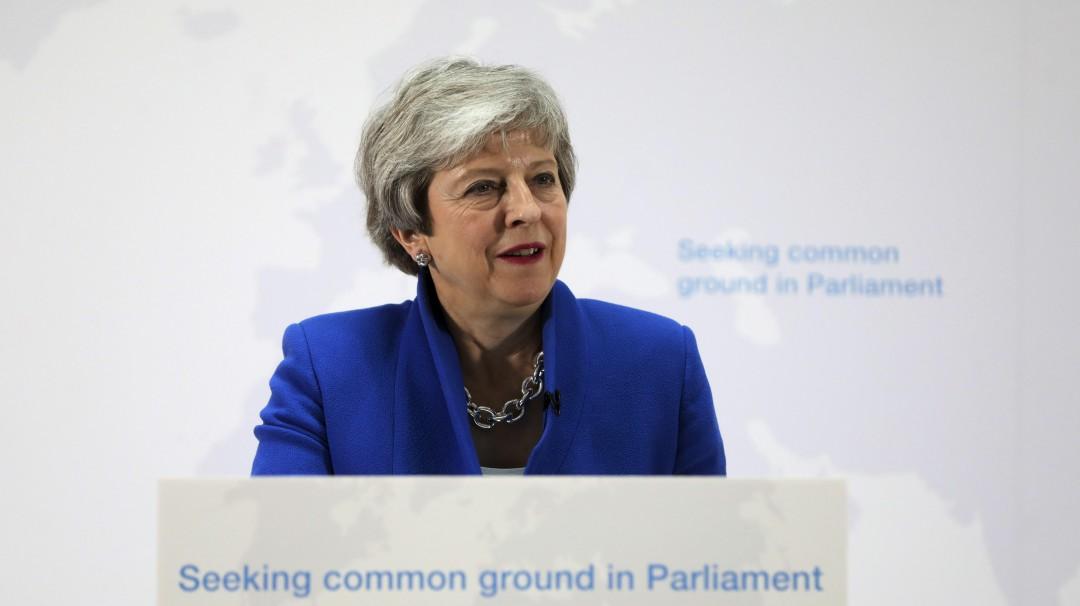 May abre posibilidad sobre segundo referendo del