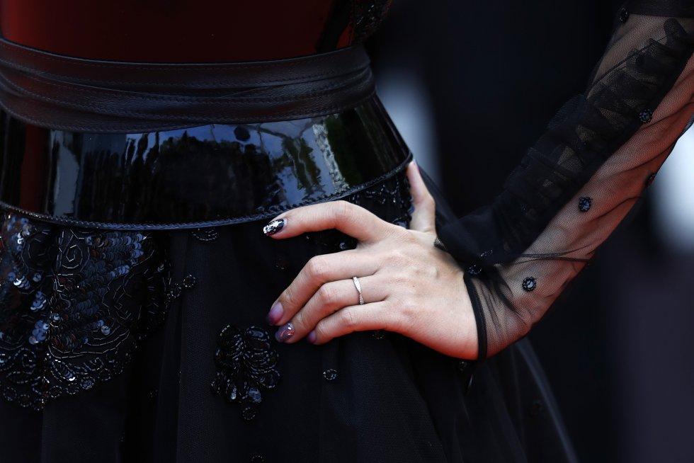 """Un invitado, detalle de moda, asiste a la proyección de """"Once Upon A Time In Hollywood"""" durante el 72º Festival de Cine de Cannes"""