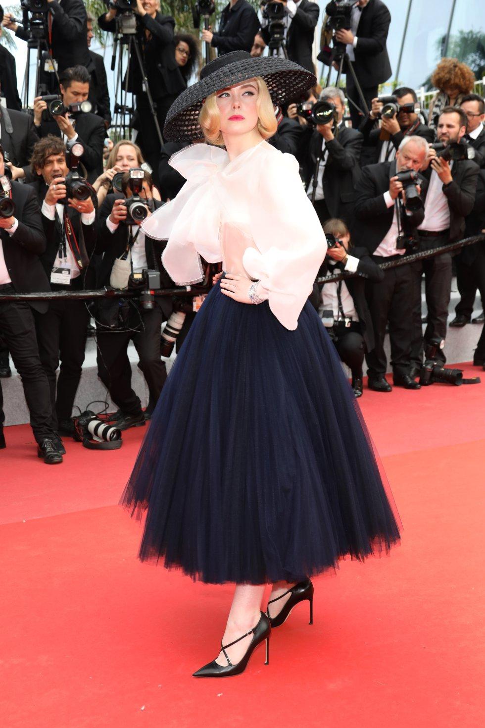 """Elle Fanning asiste a la proyección de """"Once Upon A Time In Hollywood"""" durante el 72º Festival de Cine de Cannes."""