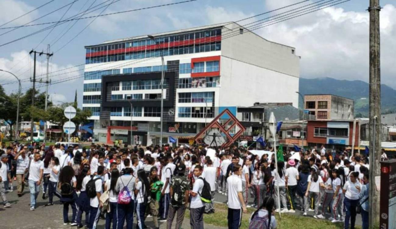 No cesa la crisis educativa en el municipio de Dosquebradas   Pereira    Caracol Radio