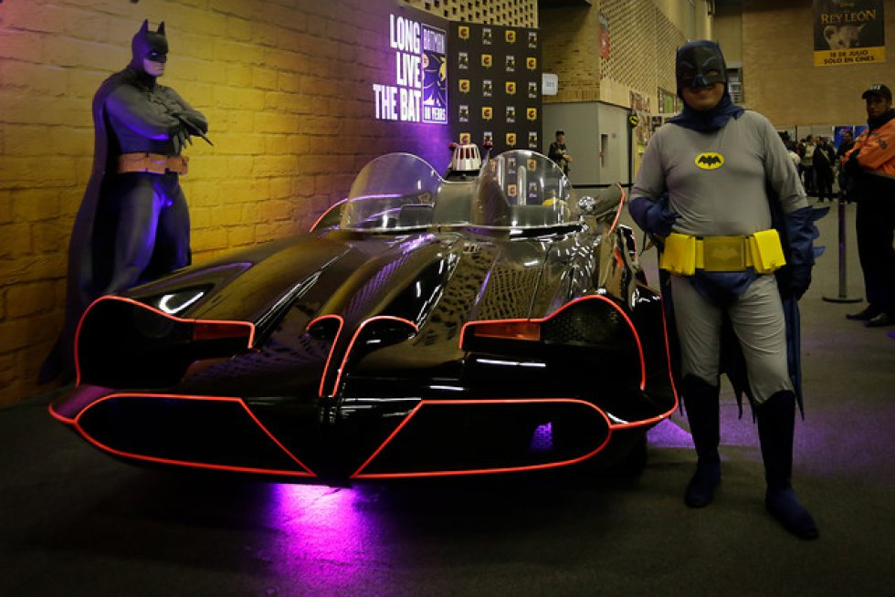 Batman y su batimovil