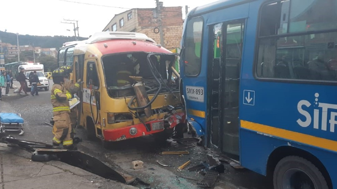 Catorce heridos en accidente de un bus del Sitp
