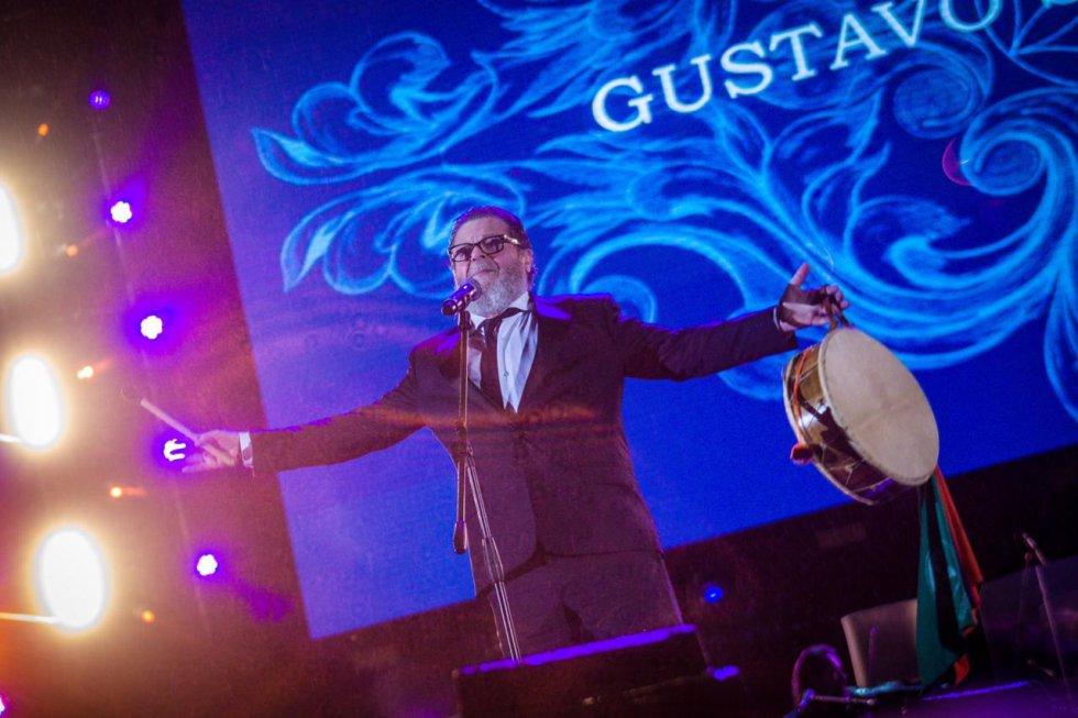 Presentación de Gustavo Sataolalla.