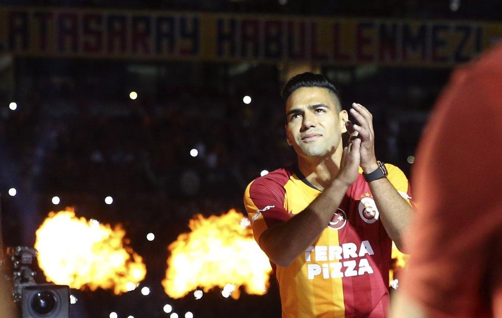 Imágenes presentación Falcao Turquía: Estambul se rindió a las garras del 'Tigre'