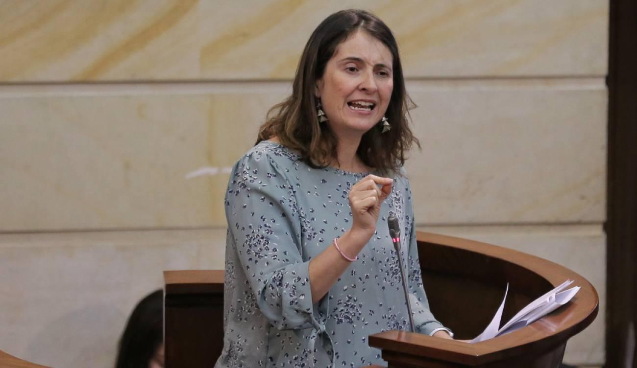 Frases polémicas de Paloma Valencia: Paloma Valencia: Trabajar con Uribe es  hacer muchos doctorados juntos | Tendencias | Caracol Radio