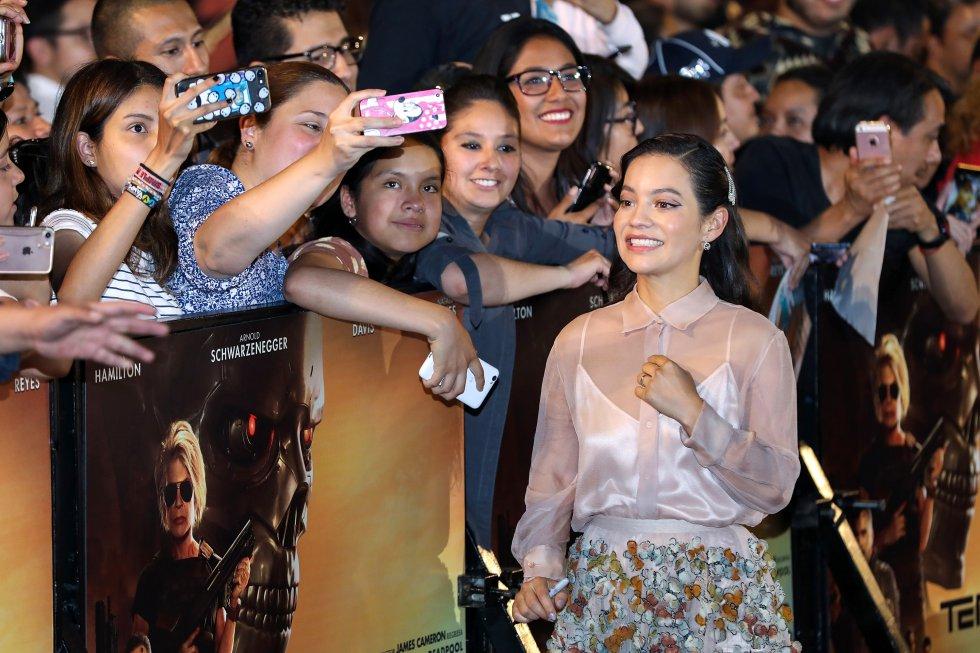 Natalia Reyes aprovechó para tomarse algunas fotografías con los fanáticos de esta popular franquicia.