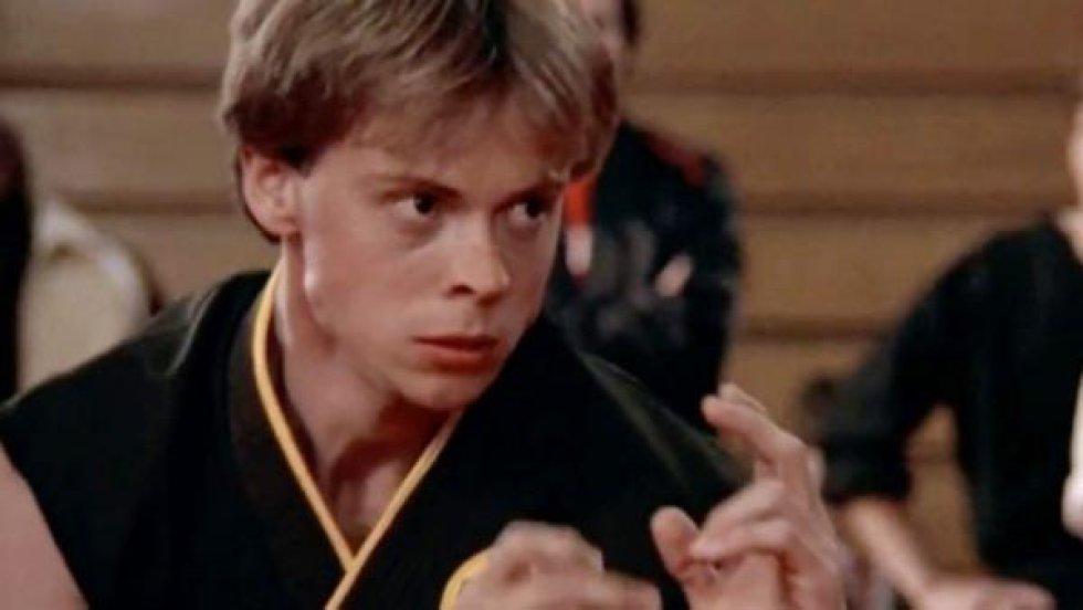 """Interpretó al personaje de Tommy en """"The Karate Kid"""". Falleció el  27 de septiembre de 2019."""