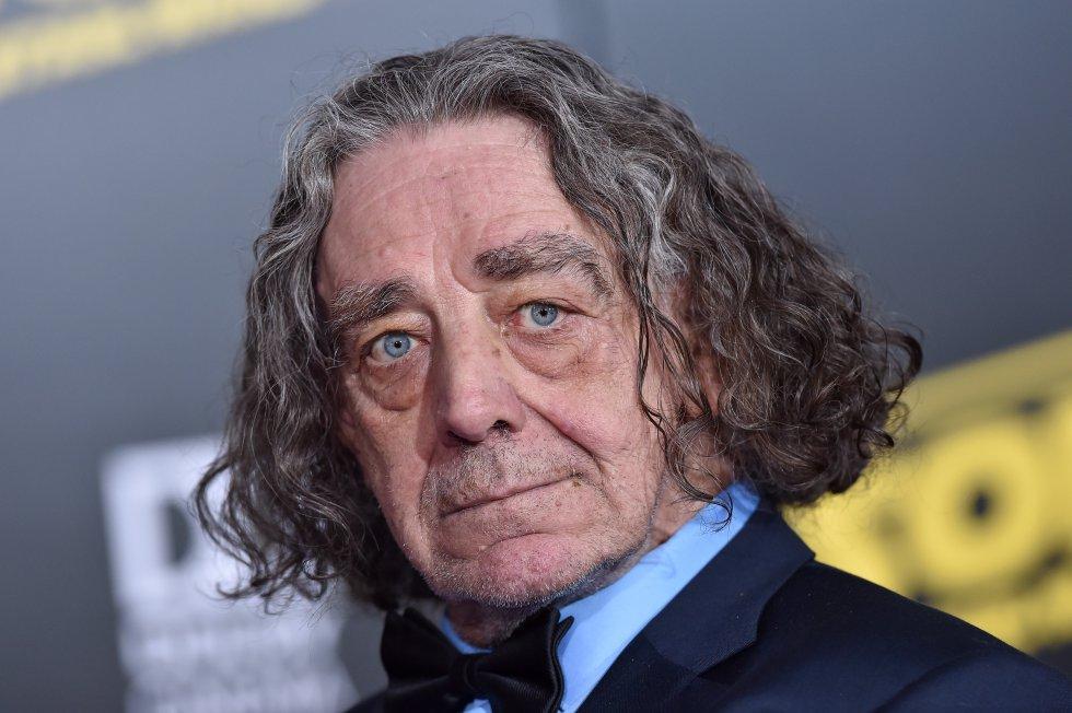 El actor reconocido por su papel como 'Chewbacca' en la película 'Star Wars', falleció el  30 de abril de 2019.