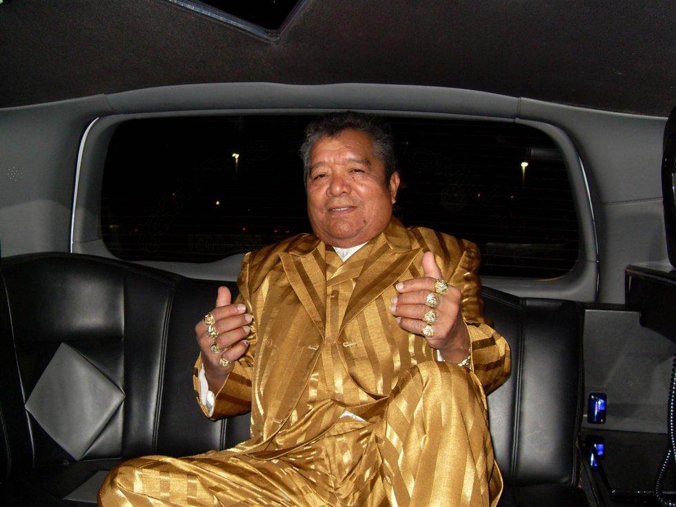 Pastor López - El 5 de abril, en el mundo de la música que todos bailan, llegó la triste noticia que el cantante colombo-venezolano tras sufrir una hemorragia cerebral.