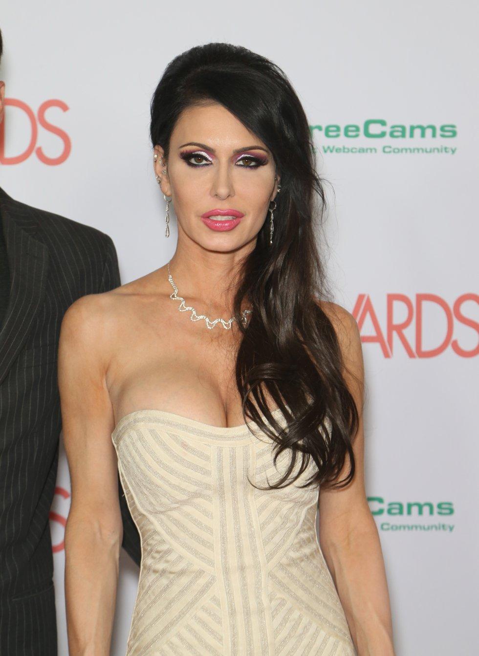 Actriz porno Jessica Jaymes murió a causa de una convulsión, según informó la oficina forense del condado de Los Ángeles, asegurando que la chica de 43 años falleció de manera natural.