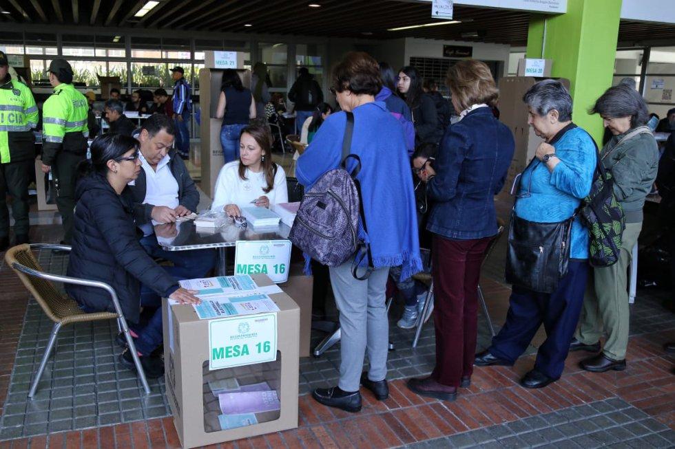 Este domingo los ciudadanos votarán por alcaldes, gobernadores, ediles, concejales, juntas administrativas locales y asambleas departamentales.