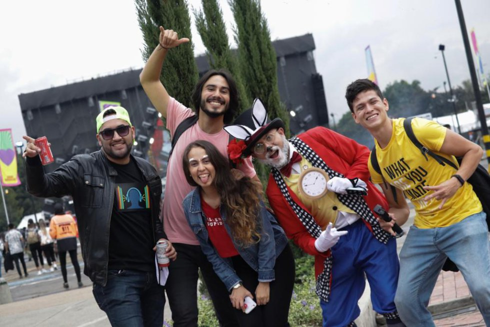 Los fanáticos de la música electrónica se divirtieron durante la tarde y la noche del festival.