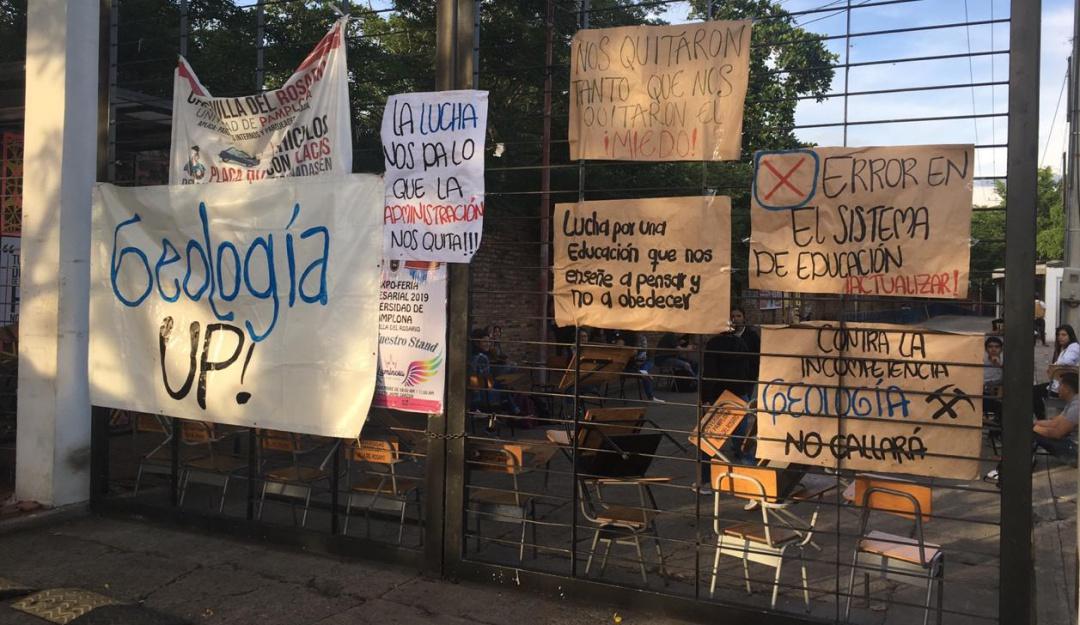 Protestan estudiantes de Geología de Unipamplona - Caracol Radio