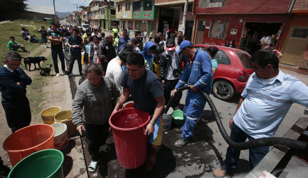 Durante una semana estará suspendido el suministro de agua en Puerto Caldas - Caracol Radio