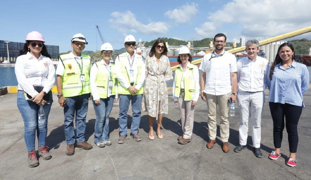 Gobernador electo de Caldas habló de proyectos con Ministra de Transporte - Caracol Radio