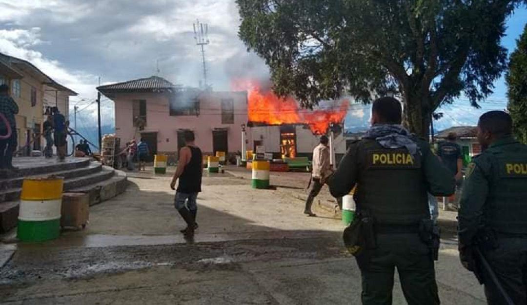 Analizan el motivo de un incendio estructural en Pácora Caldas - Caracol Radio