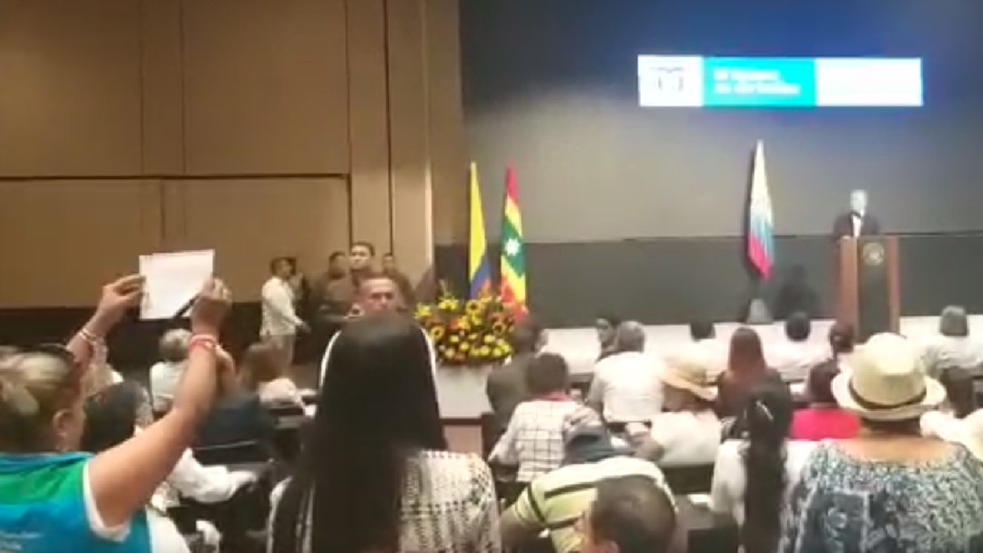 [Video] Los gritos al presidente Duque en un evento con líderes sociales